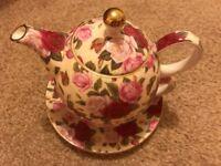 Fine Bone China floral Teapot