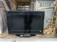 32 inch tv with remote £85