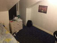 Fully furnished room to let, Sauchiehall Street, 275£pm(internet and c.tax included), furnished