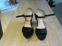BLACK WEDGE SHOES SIZE 5 WORN ONCE