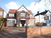 Fantastic spacious one double bedroom 1st floor flat, Ealing Common Station W5