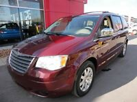 2008 Chrysler Town & Country Touring*3.8L