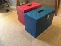Lockable foolscap metal filing box