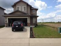CAMROSE!! Rooms for rent in newer home!