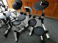DD400 Electronic Drum Kit and Amp