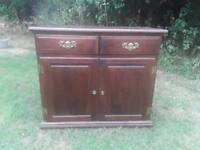Mahogany sideboard with 2 drawers and 2 cupboards