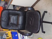 OFFICE CHAIR BLACK ADJUSTABLE IN GOOD CONDITION