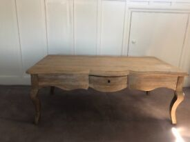 """Loaf """"MIMI"""" style coffee table in perfect condition"""