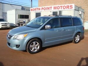 2009 Volkswagen Routan PREMIUM/ LEATHER/ SUNROOF