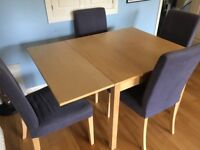 Extendable dining table with 6 chairs, washable covers