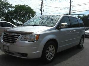 2008 Chrysler Town & Country Touring * DVD*