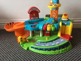 VTECH Toot Toot Garage with Three Toot Toot Cars