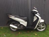 Honda sh 125 full logbook mot £750