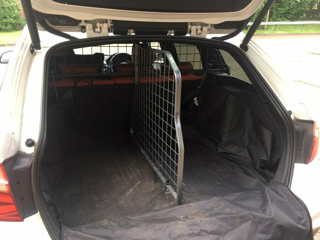 Travall Dog Guard Divider For Bmw F31