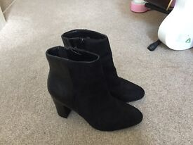 Brand new Marks and Spencer's boots size 5