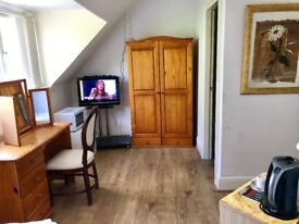 Hotel offering long term accommodation in Birmingham Moseley, offering studio flat ensuite rooms