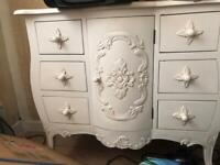 French chest drawers