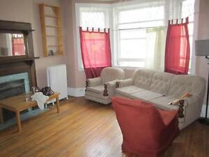 Two Bedroom Apartment, Downtown Peterborough, Oct 15/Nov 1 Peterborough Peterborough Area image 3