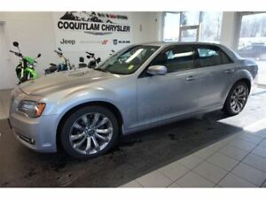 2014 Chrysler 300 S- ALLOY WHEELS, LEATHER, SUNROOF!!