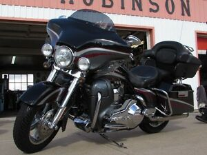 2006 harley-davidson FLHTCUSE4 CVO Ultra Classic Electra Glide   London Ontario image 3
