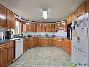 98 000$ - Commercial / Appartement à vendre à Lots-Renversés