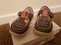 Clarks baby girl first shoes 3f excellent condition