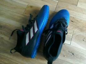 Adidas astroturf trainers Adult Size 9