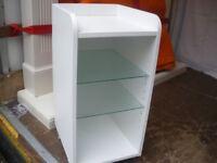 WHITE GLASS-SHELVED BATHROOM SHELF UNIT ON WHEELS