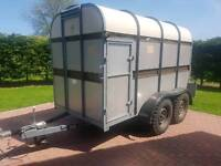 Bateson 10ft livestock box trailer in excellent condition
