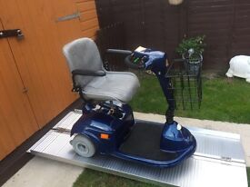 MODERN STERLING MICRO 3 wheel mobility scooter - STUNNING CONDITION - ONLY £265