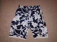 Shorts - Bermuda / Board
