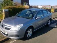 Silver Vauxhall Vectra 1.9CDTi Exclusiv