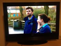 32 inch goodmans tv with remote and freeview
