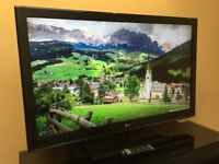 "LG 42"" FHD 1080p EDGE LIT LED TV Freeview - 120Hz - TruMotion 240Hz - USB Playback BARGAIN RRP £548"