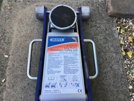 Draper Trolly Jack 2.5 tonne Low Profile Aluminium Trolley Jack used only once very good condition
