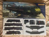 HORNBY R1012 GNER 225 Train Set.