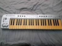 Behringer Keyboard