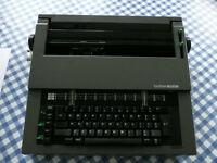 Brother CE-40 portable daisywheel typewriter (tripewriter?)