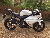 YAMAHA YZFR-125 YZF 125 R - 2012 ONLY 1,400 MILES MOT HPI CLEAR STUNNING* !!!!