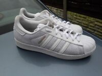 Adidas superstar trainers size 9&half