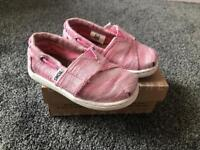 Toms in Pink size tiny 6