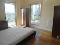 Amazing 3 Double Bedroom Penthouse Available Now in Canary Wharf *SHORT LET*
