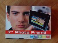 """7"""" digital photo frame for sale"""