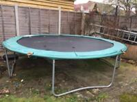 Trampoline 12ft, with nearly new enclosure net