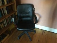 Black computer chair