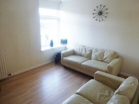 ****Top Floor One Bedroomed Flat with Large Dining Kitchen****