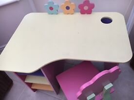 GLTC CHILDS / GIRLS DESK AND CHAIR - ABSOLUTELY GORGEOUS