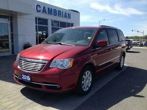 2015 Chrysler Town & Country Touring w/ Back up Camera & Media C