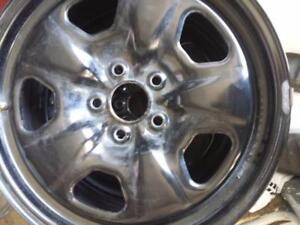 CHEVY CAMARO FACTORY OEM 18 INCH STEEL RIM SET OF FOUR.    THE WHEELS HAVE TPMS.