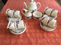 Royal Doulton Autumn Glory Tea Set 27 pieces.